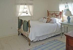Bedroom 25
